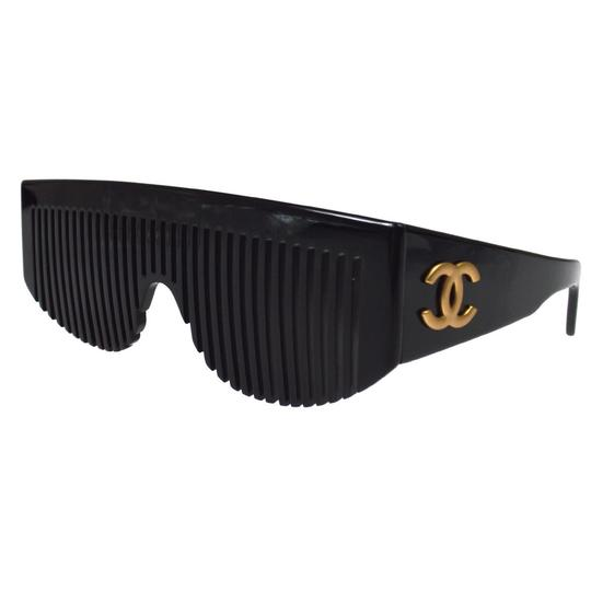 Preload https://img-static.tradesy.com/item/24022012/chanel-black-rare-vintage-comb-collectors-item-sunglasses-0-0-540-540.jpg