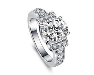 White 2.50 Ctw Oval Sparkling Halo Rhodium Plated Cubic Zirconia Ring