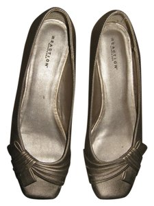 Kenneth Cole Reaction Metallic Gold Flats