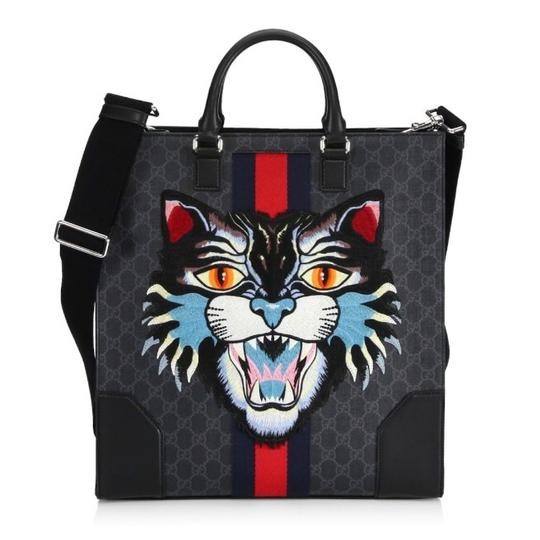 Preload https://img-static.tradesy.com/item/24024502/gucci-angry-cat-embroidered-messenger-bag-0-0-540-540.jpg