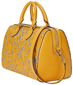 Yellow Gucci Baguettes - Up to 90% off at Tradesy ebea1e0ff7137