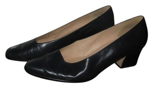 Bandolino Leather Navy blue Pumps