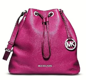 Michael Kors Sold Out Berry Bucket Shoulder Bag