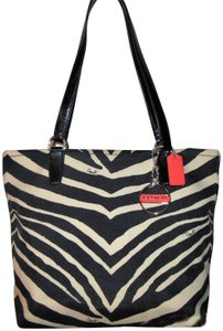 Coach 1941 Tote in animal print