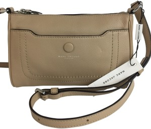 b4926c25b88f Marc Jacobs Cross Body Bags - Up to 90% off at Tradesy