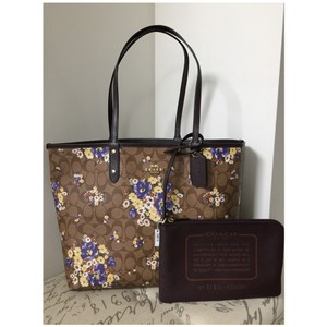 Coach Tote in purple, brown