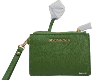 Michael Kors Leather Coin Purse Card Case Small Wallet Key Ring Wristlet in True Green