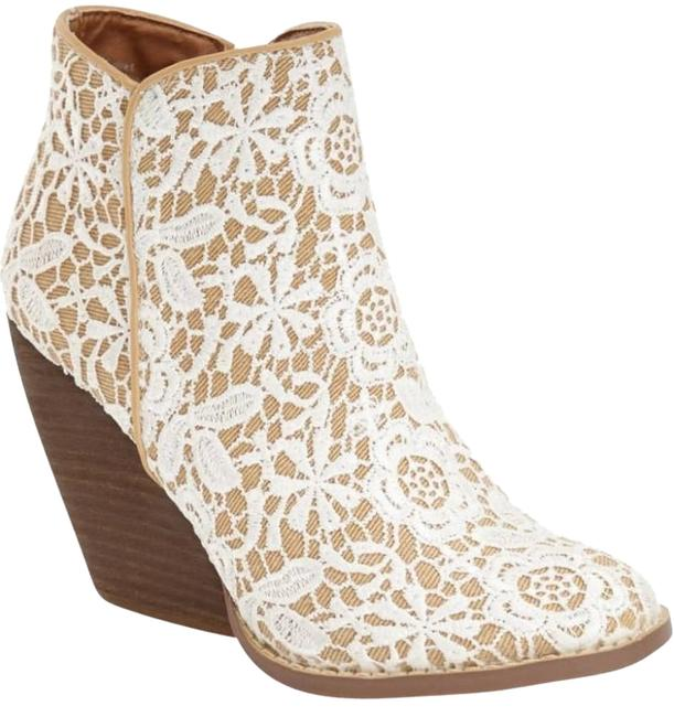 Item - White Lace Cherie Boots/Booties Size US 6.5 Regular (M, B)
