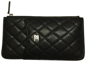 Chanel CHANEL Caviar Quilted Classic Flat Wallet Pouch Black GHW Phone Case