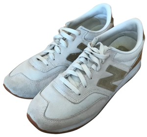 New Balance white and gold Athletic