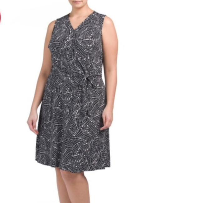 Vince Camuto Wrap Belted Plus-size Print Dress Image 7