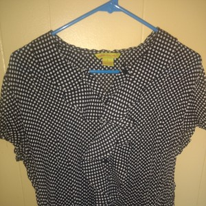 Essentials by Milano Top Blue polkadot
