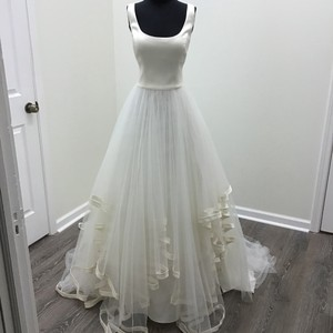 Wtoo Ivory Tulle Stretch Satin Arabella 18240 Modern Wedding Dress Size 6 (S)