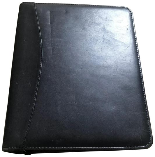 Preload https://img-static.tradesy.com/item/24035205/franklin-covey-black-medium-size-multi-ring-planner-0-1-540-540.jpg