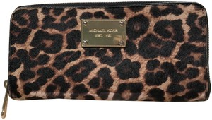 Michael Kors Michael Kors Hair Calf Leopard Print Wallet (MK Dustbag Included)