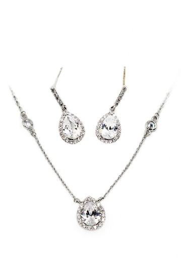 Preload https://img-static.tradesy.com/item/24036450/silver-elegant-crystal-droplets-earrings-set-necklace-0-0-540-540.jpg