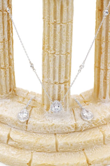 Ocean Fashion Elegant Crystal Droplets Silver Necklace Earrings Set Image 7