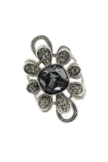 Preload https://img-static.tradesy.com/item/24036525/gray-silver-crystal-flower-ring-0-0-540-540.jpg