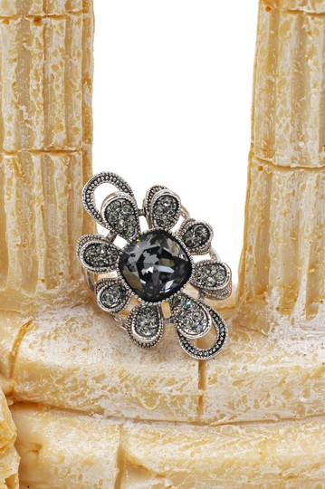 Ocean Fashion Silver Gray Crystal Flower Rings Image 2