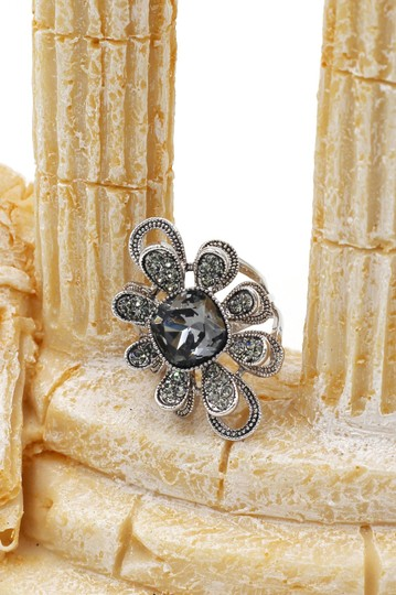 Ocean Fashion Silver Gray Crystal Flower Rings Image 3