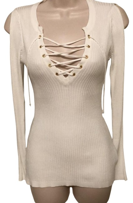 Preload https://img-static.tradesy.com/item/24036782/guess-white-cold-shoulder-lace-sweaterpullover-size-0-xs-0-1-650-650.jpg