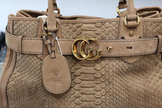 Gucci Tote in tan, brown Image 5