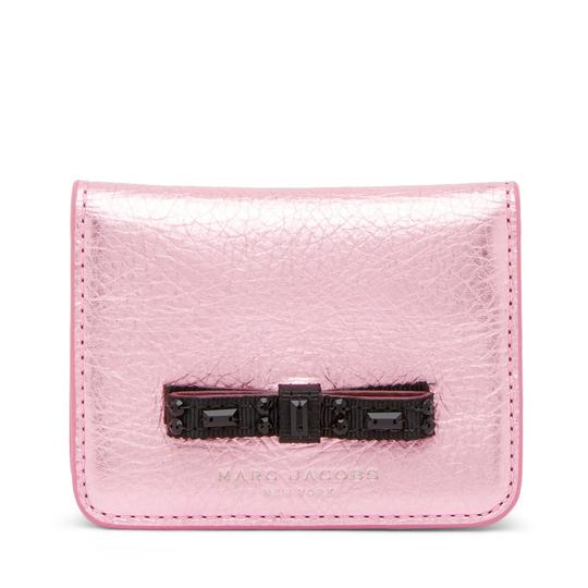 Preload https://img-static.tradesy.com/item/24036954/marc-jacobs-leather-train-pass-case-wallet-0-0-540-540.jpg