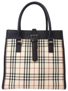 Burberry Satchel in beige / black