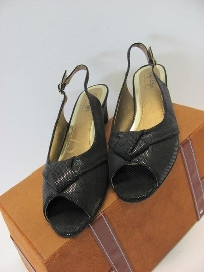Hush Puppies Great Condition 8.50m BLACK Wedges Image 1
