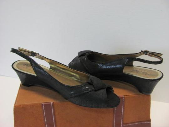 Hush Puppies Great Condition 8.50m BLACK Wedges Image 2