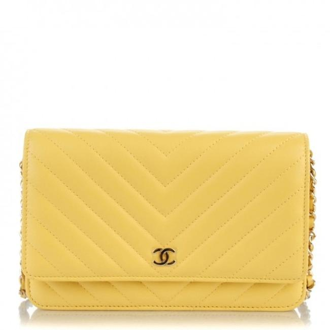 Item - Wallet on Chain Soft Yellow Lambskin Leather Cross Body Bag