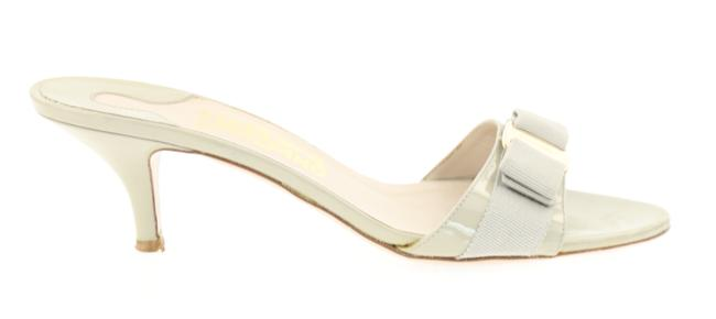 Item - Grey Bow Heels Sandals Size US 8.5 Regular (M, B)