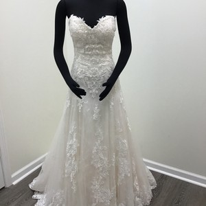 Maggie Sottero Ivory/ Soft Blush Tulle Chantilly Lace Lace Motifs Gail Traditional Wedding Dress Size 8 (M)