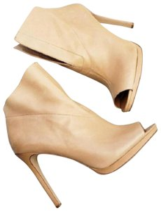 Vince Camuto Camel tan Boots