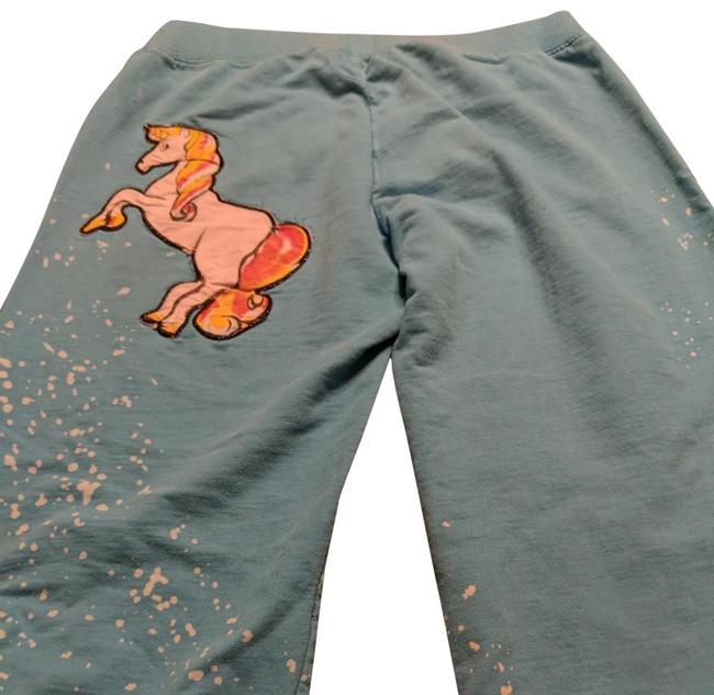 Item - Blue White Distressed Bleach Splatter In A Multi Colored Horse Sense Activewear Bottoms Size 6 (S, 28)