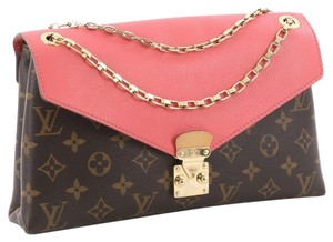 Louis Vuitton Pallas Chain Shoulder Bags - Up to 70% off at Tradesy