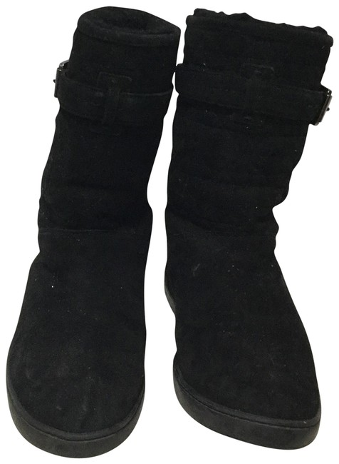 Item - Black Christian Cannage Snow Furred Suede Low Boots/Booties Size US 8 Wide (C, D)