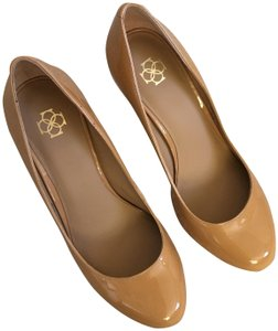 Ann Taylor Perfect Nude Pumps