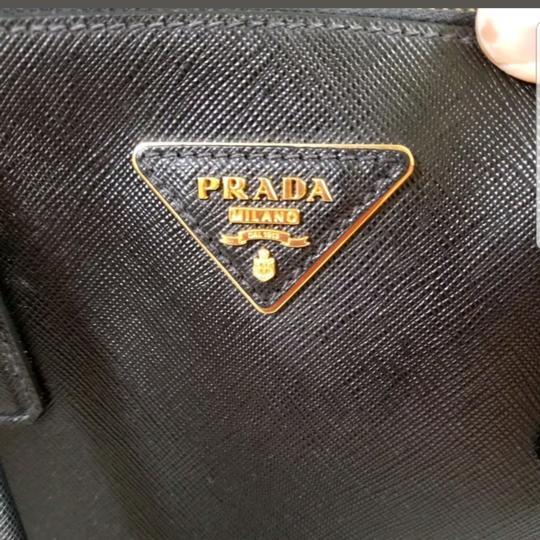 Prada Tote in Black. Image 2