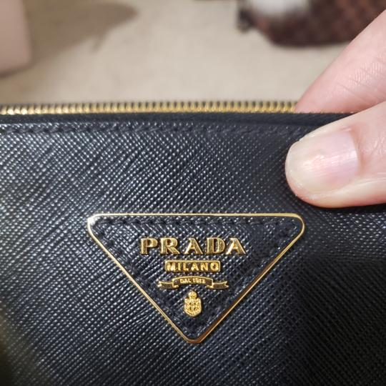 Prada Tote in Black. Image 7