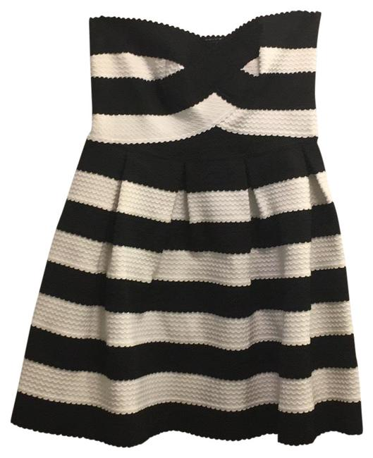 Black and White Gsd2641 Short Casual Dress Size 12 (L) Black and White Gsd2641 Short Casual Dress Size 12 (L) Image 1