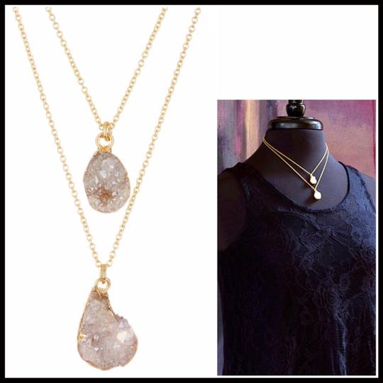 NA LAYERED CRYSTAL DRUZY STONE STATEMENT NECKLACE Image 4