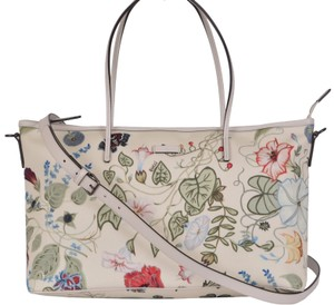 9258fc10481 Gucci Flora Collection - Up to 70% off at Tradesy