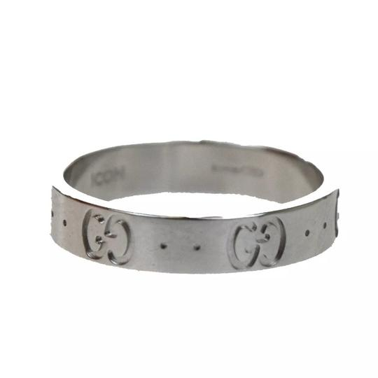 Gucci ICONIC GG LOGO 750 Ring Image 1