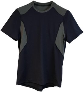Lululemon LULULEMON EGGPLANT/GRAY ACTIVE WEAR MEN'S TOP S