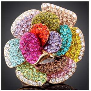 ME-Boutiques Private Label Collection Austrian Crystal Large Flower Statement Ring DF10