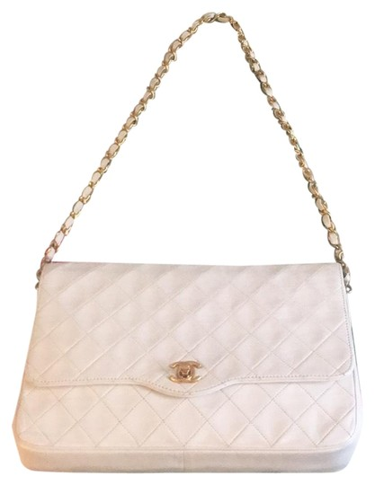 Preload https://item1.tradesy.com/images/chanel-255-reissue-348748-white-lambskin-leather-shoulder-bag-24049380-0-1.jpg?width=440&height=440