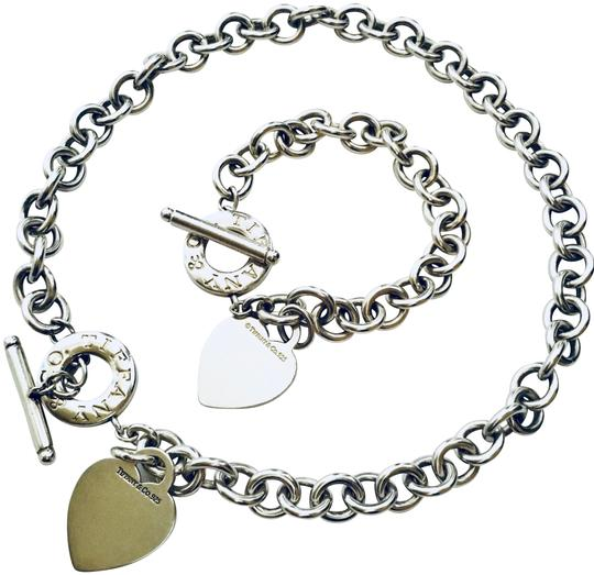 Preload https://item1.tradesy.com/images/tiffany-and-co-heart-tag-toggle-and-bracelet-necklace-24049490-0-1.jpg?width=440&height=440