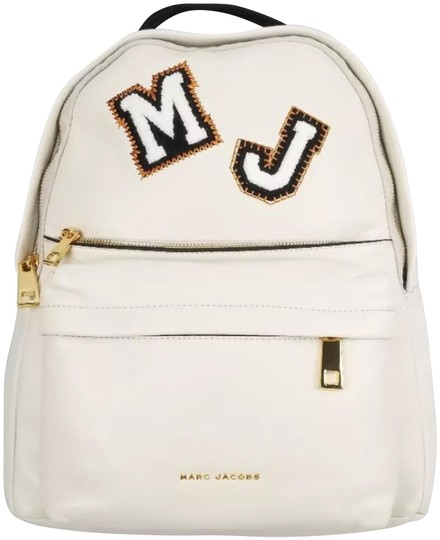Preload https://item3.tradesy.com/images/marc-jacobs-new-large-fashion-vintage-white-leather-backpack-24049507-0-1.jpg?width=440&height=440