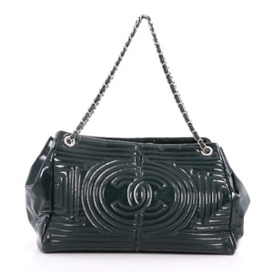 1ac1c3abec2b Green Chanel Totes - Up to 90% off at Tradesy